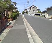 松葉杖で片道、約10<br />  分...